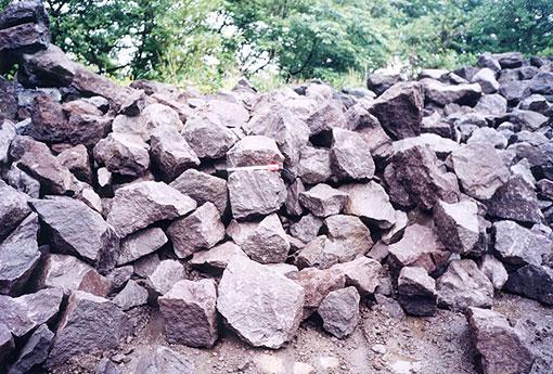 041124_stone.jpg